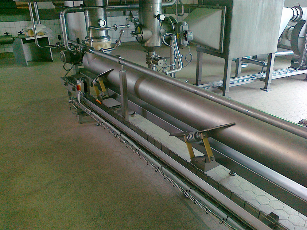 Vibrating conveyor - closed - Alvibra Vibratory Conveyor - Closed, Powered by VibraDrive